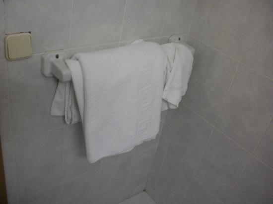 هوتل جاربي: towels 