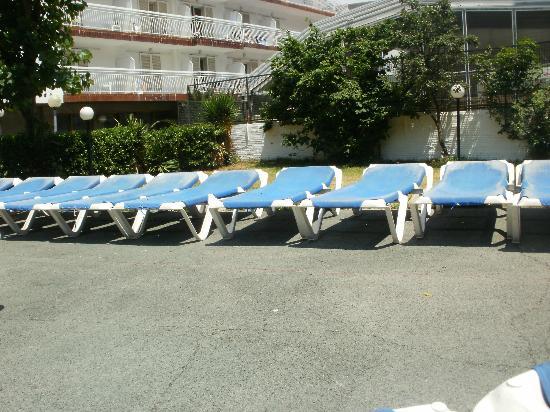 Hotel Garbi: sunbeds again