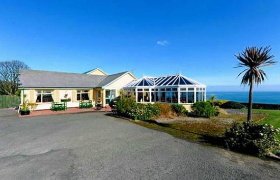 Lynden Heights: Large car park facility with outdoor seating in beautiful surrounding beside the sea