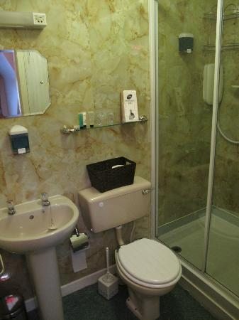 Royston Guest House: Bagno