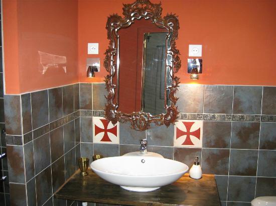 La Posada del Castillo B&B: Salle de bain des chevaliers