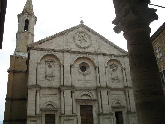 Piccolo Hotel La Valle Pienza: Duomo of Pienza