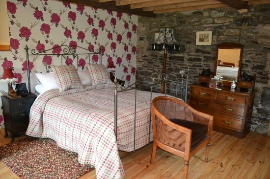 Low Mill Guest House: Beautifully decorated bedroom