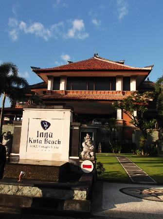 ‪‪Grand Inna Kuta‬: Front view of Inna Kuta Hotel