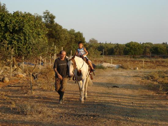 Casato Calabrese: giro a cavallo