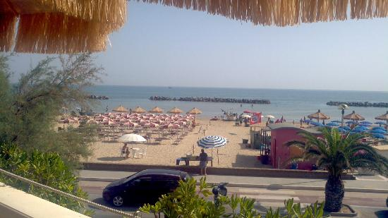 Hotel Guerra : The beach, seen from the first floor breakfast area.