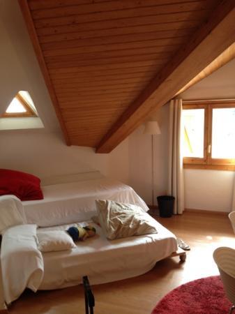 Hotel Pessets & Spa: La cama de los niños.