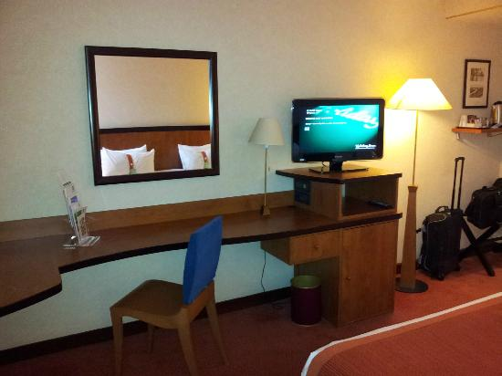 Meuble Tv Bureau Picture Of Holiday Inn Paris Versailles