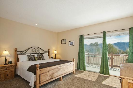 كويوت ماونتين لودج: Master Bedroom in Jack 1 Condo