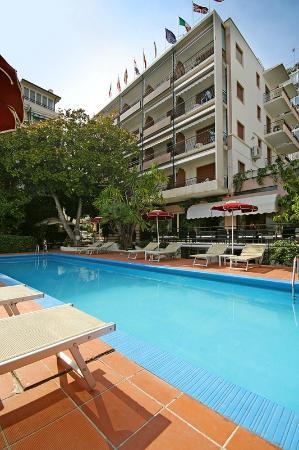 Hotel Principe: FACCIATA HOTEL