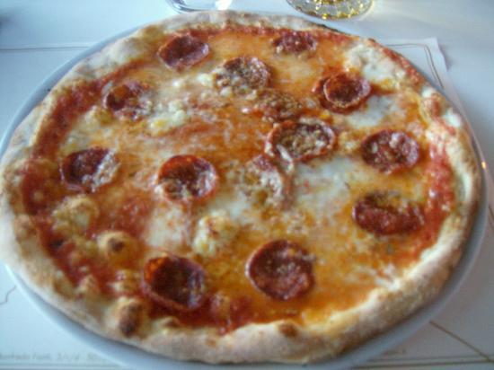 Undici Leoni : pizza siro salamino piccante scamorza