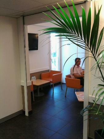Hotel ibis budget Mâcon sud : entrance
