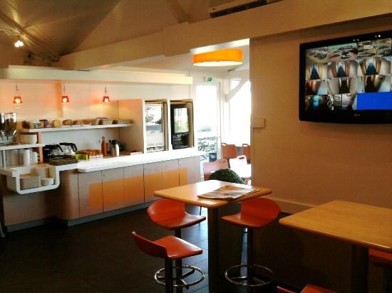 Hotel ibis budget Mâcon sud : breakfast