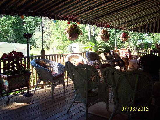 Eastgate Inn B&B: More of back deck