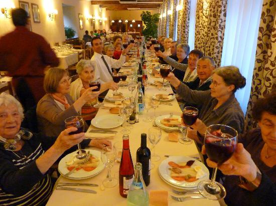 Hotel Hospederia de Leyre : Salle de restaurant