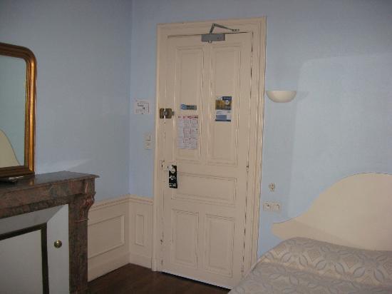 Hotel Arlequin : Zimmer