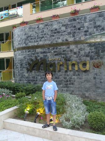 Marina Hotel: front elevation