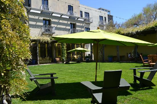 Hotel Healdsburg: Courtyard