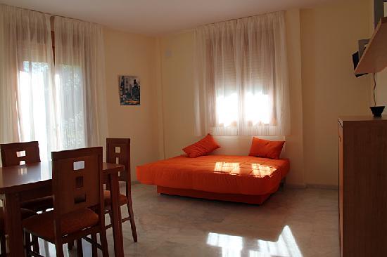 Apartamentos Turisticos Puerta Nueva: getlstd_property_photo