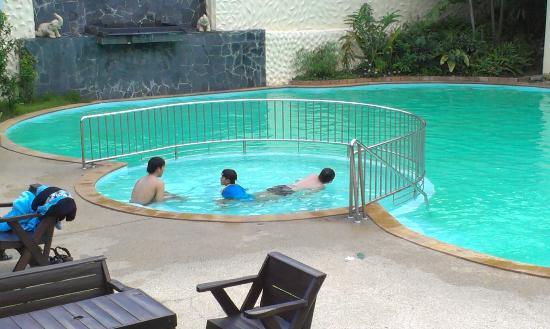 สวนสวรรค์ รีสอร์ท เชียงใหม่: pool