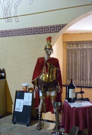 Les Voltes: L'accueil est fait par un légionnaire romain