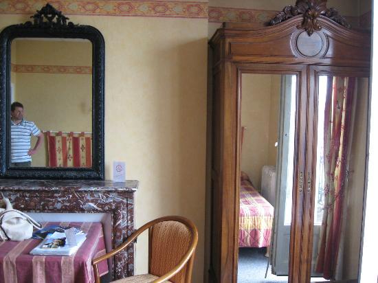 Hotel de Paris : Zimmer