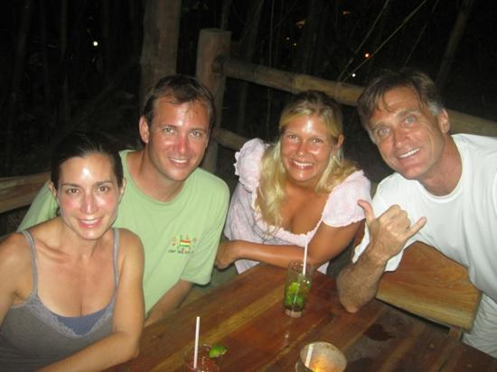 Shaka Beach Retreat : meeting awesome new friends at Shaka!
