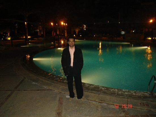 Novotel Cairo 6th Of October: nade en la piscina
