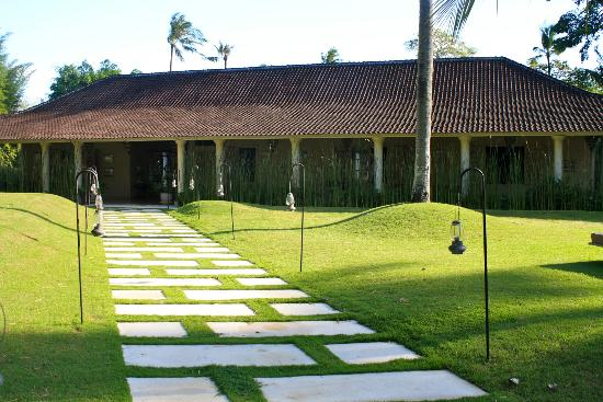 The Shaba Bali: Front walkway from Villa Balquisse