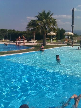 BV Airone Resort: una parte della piscina laguna