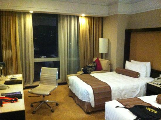 Howard Johnson Huaihai Hotel Shanghai: 酒店房間