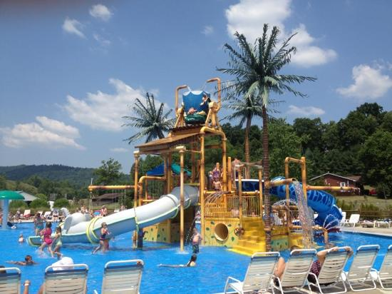 Williamsburg, KY: kiddie splash area