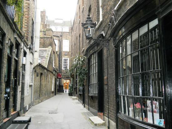 Garden Walk London: Hidden Courtyards On The Covent Garden And Its Hidden