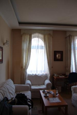 Louren Hotel: Σαλόνι