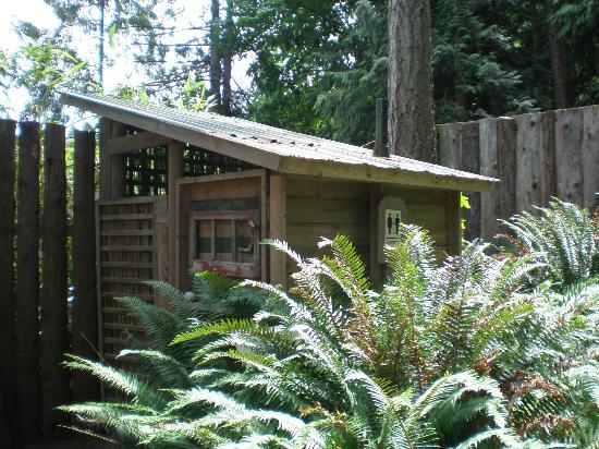 Garden Faire Campground : Coed Bathroom