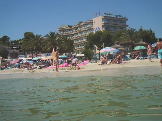 Hotel Agua Beach: view from sea to hotel