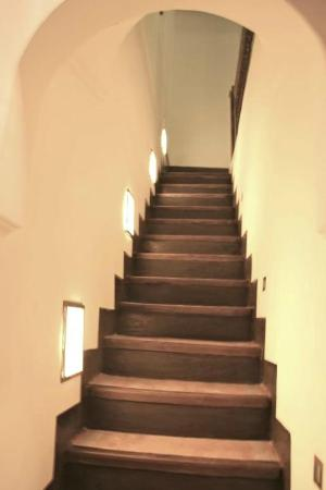 Le Comptoir du Pacha: Accès à l'étage ...