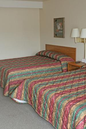 Iron Horse Inn: 2 Queen Beds