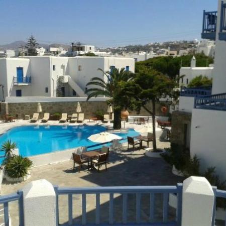 Poseidon Hotel - Suites: Vista a la piscina desde la habitacion
