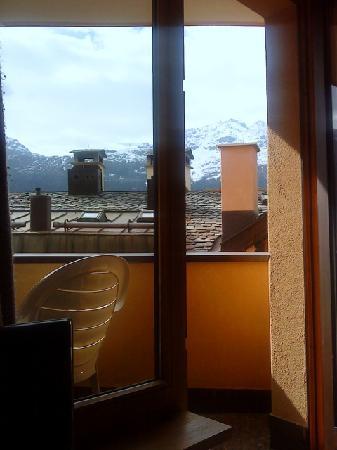 Chesa Bellaval Aparthotel: vue terrace