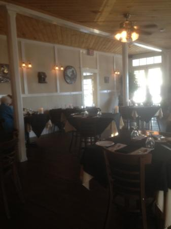 Island Hotel & Restaurant: the restaurant