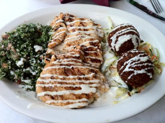 Mazah Meditteranean Eatery: Chicken kabob with falafel.