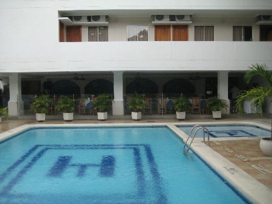 Hotel Tayrona: Piscina