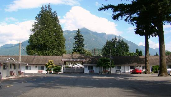 Skagit Motor Inn: View
