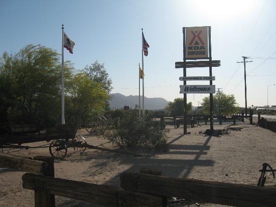 Barstow Calico KOA: Entrance to campground