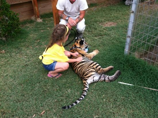 Greater Wynnewood Exotic Animal Park: Visit in July 2012