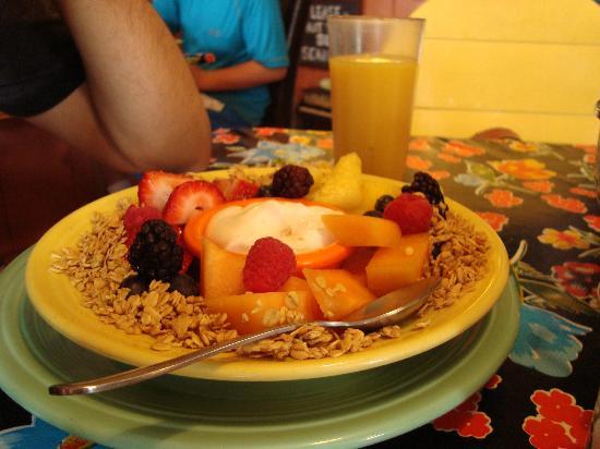 The Stairway Cafe : fruit + yogurt 1