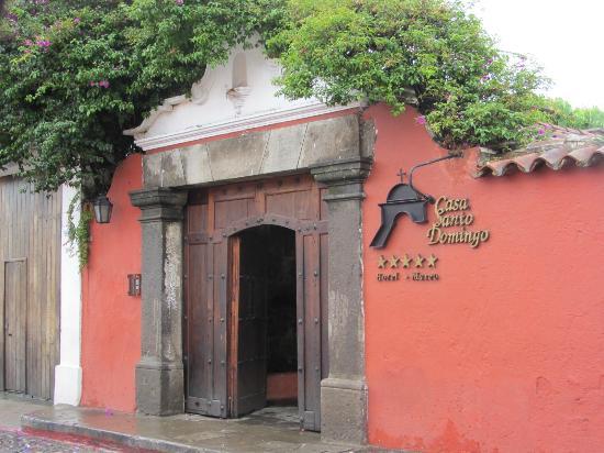 Casa Santo Domingo: Entrada principal