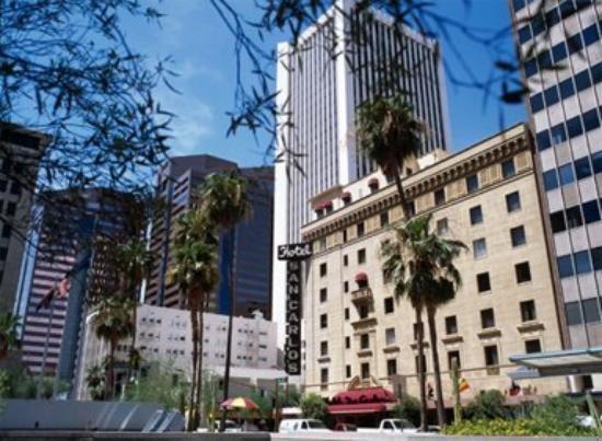 Hotel San Carlos: Hotel Exterior
