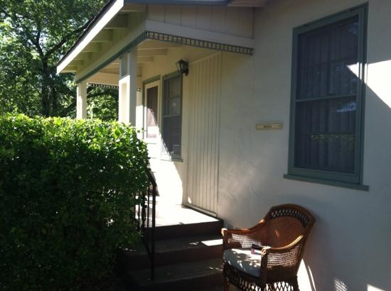 Hideaway Cottages: front porch